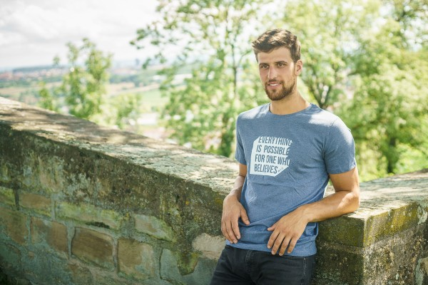 T-Shirt Herren – Everything is possible